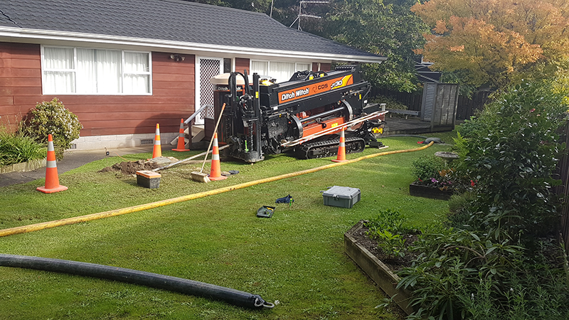Ditchwitch JT30 HDD drill in action